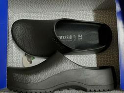Birkenstock SUPER- BIRKI  Foam Black WOMENS  Size 9  --- MEN