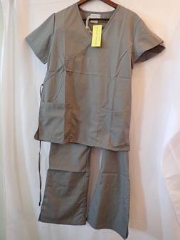 Natural Uniforms Women's Mock Wrap Scrub Set gray large & sm